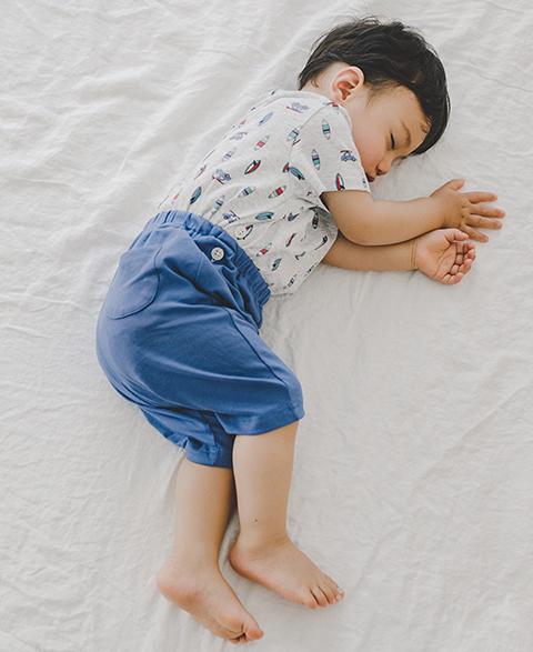아기를 키우는 성장호르몬은 잘 자는 것으로 만들어집니다