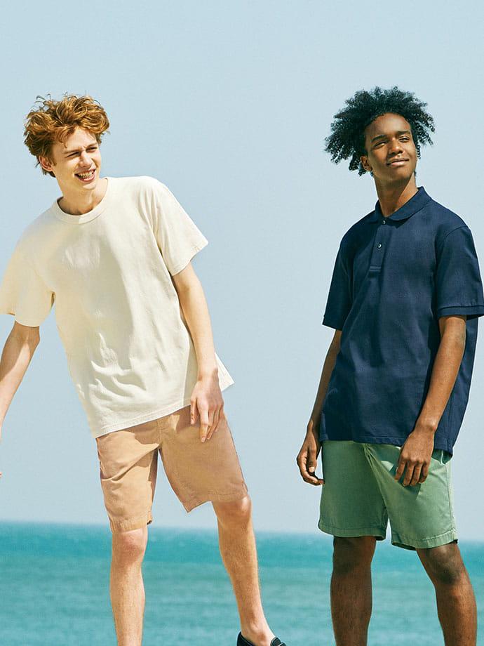 해변을 즐긴다면 단 하나의 선택, 컬러 쇼트팬츠
