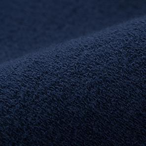가벼운 스웨트 소재로 편한 착용감.
